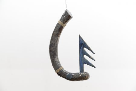 Keen Souhlal, Sans titre, 2016, Glazed sandstone, steel cable, pheasant plume, hemp braiding, 81 x 50 x 12 cm