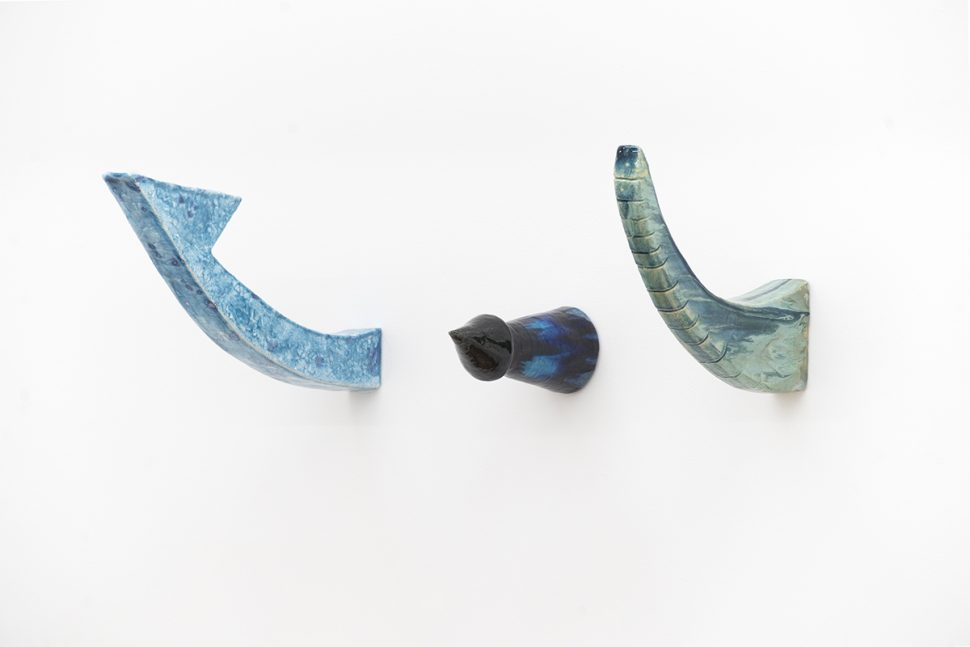 Keen Souhlal, Sans titre, 2016, Glazed sandstone, 61 x 43 x 24 cm (3)