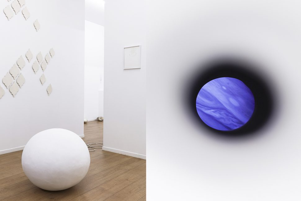 DeAnna Maganias, Geometry of an eternal storm (Jupiter), 2017, video projection in resin sphere, 65 x 65 x 65 cm