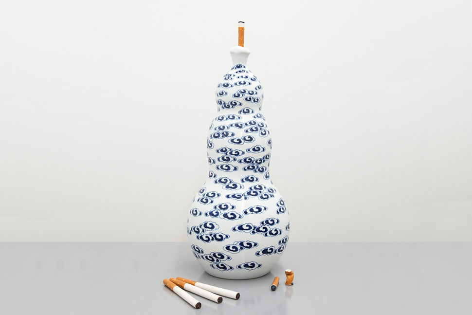 Jessica Lajard, The Seven Smokers #5, 2014-2016, Glazed porcelain and faience, 57,5 x 29 x 29 cm