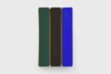 Bernard Villers, Cageot 3 couleurs, 2019, Acrylic paint on wood, 32 x 19 x 6,5 cm