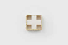 Bernard Villers, Petit cageot, Tempera on wood, 8,5 x 8,5 x 3 cm