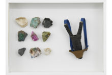 Younes Baba-Ali, Coffret de survie 1, 2020, Slingshot and raw minerals from Katanga, 30 x 40 x 6 cm