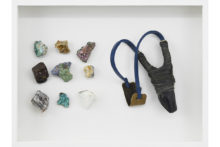 Younes Baba-Ali, Coffret de survie 2, 2020, Slingshot and raw minerals from Katanga, 30 x 40 x 6 cm
